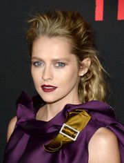 Teresa Palmer was edgy-glam wearing this teased 'do at the 'Triple 9' premiere.