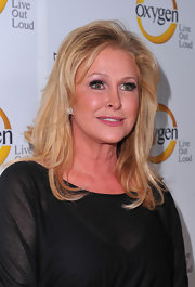Kathy Hilton wore her hair in subtle waves for the premiere of 'The World According to Paris.'