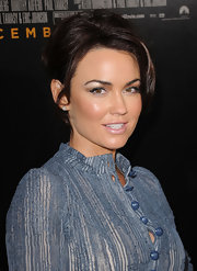 Kelly Carlson added a nice sheen to her look with metallic brown shadow. A creamy nude gloss completed her look.