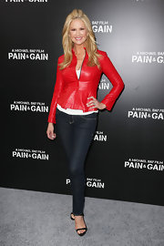 A pair of skinny jeans topped off Nancy O'Dell's casual and cool red carpet look.