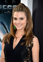 Maria Menounos rocked a high-bouncy half up, half down 'do at the 'Star Trek Into Darkness.'