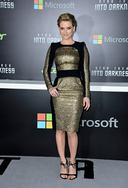 This black-and-gold dress, which featured puffed futuristic sleeve detailing, gave Alice Eve a touch of modern style at the 'Star Trek Into Darkness' premiere in Hollywood.