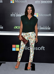 Jessica added a fun feminine touch to her red carpet look when she opted for these colorful floral-print pants.