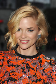 Jaime King styled her cute bob into soft ringlet curls at the premeire of 'Super 8.'