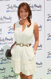 Eva la Rue was summer-chic at the 'Judy Moody' premiere in an embroidered dress cinched with a metal chain belt.