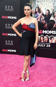 Mila Kunis donned an Atelier Versace printed silk ribbon mini dress for a sophisticated number at the 'Bad Moms' premiere.