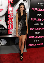 Kendall heighened her look at the 'Burlesque' premiere in these super-stacked black platforms.