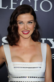 Adrianne shows off this wavy hollywood glam hairstyle.