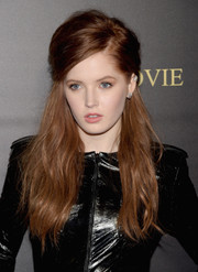 Ellie Bamber was rocker-glam at the 'Pride and Prejudice and Zombies' premiere wearing this teased half-up 'do.
