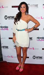 This one-shoulder dress worked wonders on Sara Bettencourt.