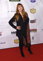 Jane Seymour finished off her all-black outfit with a pair of suede over-the-knee boots.