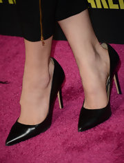 Classic black pumps topped off Katie Aselton's red carpet look at 'Spring Breakers.'
