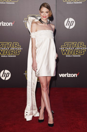 Jaime King looked appropriately sci-fi at the 'Star Wars: The Force Awakens' premiere in a Monse off-the-shoulder LWD with a giant bow hanging at the back.