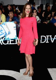 Liz Goldwyn donned a bright pink cocktail dress for the 'Divergent' premiere.