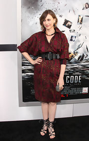 Vera donned a deep merlot dress with a floral print and an 80's silhouette to the 'Source Code' premiere.