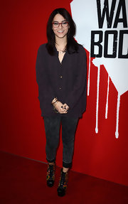 Fivel Stewart opted for stretchy skinny jeans at a movie premiere.