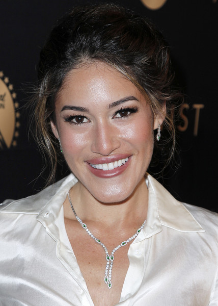 Q'Orianka Kilcher styled her hair into a loose bun for the LA premiere of 'The Alienist.'