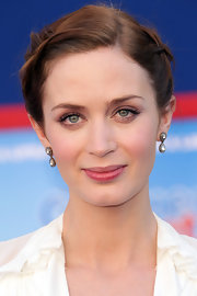 Emily Blunt attended the 'Gnomeo and Juliet' premiere wearing 14-karat gold and diamond Victorian earrings.