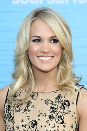 Carrie Underwood rocked shiny lip gloss at the premiere of 'Soul Surfer.'