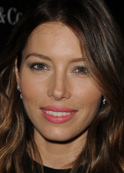 Jessica Biel sweetened up her look with a pink lip during the premiere of 'The Truth About Emanuel.'