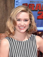 Greer Grammer looked sweet and romantic wearing this curly faux bob at the 'How to Train Your Dragon 2' premiere.