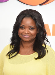 Octavia Spencer attended the premiere of 'Home' wearing a sweet wavy hairstyle.
