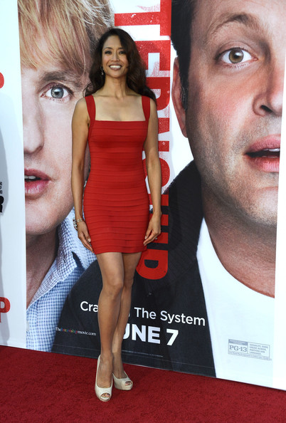 Chuti wasn't afraid to wear red on the red carpet when she donned this red bandage dress.