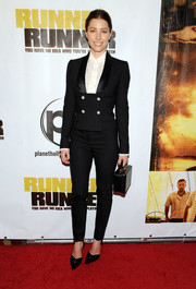 Jessica Biel suited up for the 'Runner Runner' premiere in a double-breasted black tux by Dolce & Gabbana.