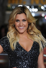 Ashley Roberts showed off her two-one tresses while attending the premiere of 'Unstoppable'.