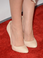 Aubrey Plaza kept it simple yet classic with these nude pumps at the premiere of 'This is 40.'