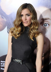 Rose Bryne looked like a vintage beauty in her sleek waves.