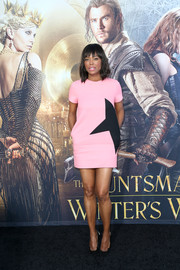 Aisha Tyler kept it fun in this pink and black mini dress at the premiere of 'The Huntsman: Winter's War.'