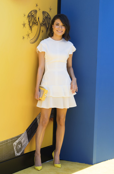 More Pics of Miranda Cosgrove Pumps (1 of 7) - Heels Lookbook - StyleBistro [despicable me 3,photo,clothing,white,yellow,fashion model,fashion,dress,leg,cocktail dress,beauty,human leg,arrivals,miranda cosgrove,los angeles,california,universal pictures,illumination entertainment,premiere,premiere]