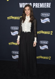 Hailee Steinfeld was a mix of demure and goth at the 'Pitch Perfect 2' premiere in a long-sleeve black-and-white Dolce & Gabbana dress with a ruffled bodice and cuffs.