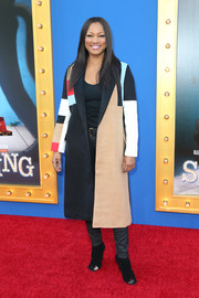 Garcelle Beauvais looked cool in a color-block coat at the premiere of 'Sing.'