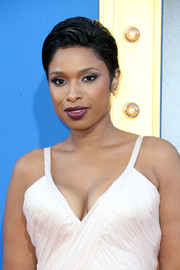 Jennifer Hudson wore her short hair in a gelled, side-parted style at the premiere of 'Sing.'