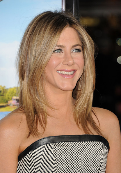 More Pics of Jennifer Aniston Long Center Part (4 of 68) - Jennifer Aniston Lookbook - StyleBistro