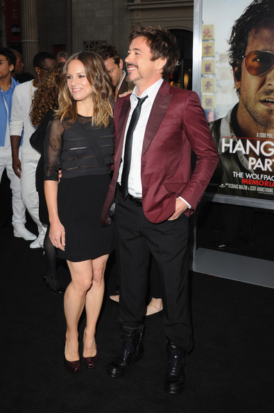 Susan Downey complemented her modern LBD with a pair of classic snakeskin platform pumps.