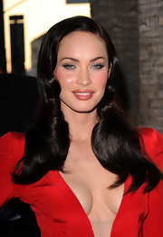 Megan Fox wore her hair in a long, sleek retro 'do at the premiere of 'Jonah Hex.'