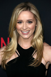 Greer Grammer flaunted an ultra-chic layered cut at the premiere of 'The Accountant.'