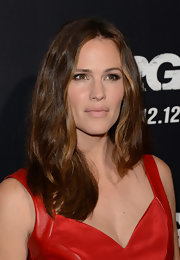 Jennifer's freshly trimmed locks had a subtle wave at the 'Argo' premiere.