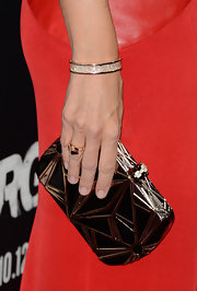 Jennifer Garner added a tidbit of sparkle to her look with this shimmering gold bangle.