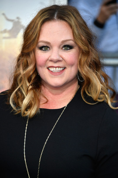 Melissa McCarthy went ultra feminine with this wavy 'do for the premiere of 'CHiPS.'