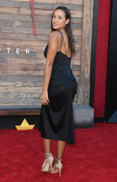 More Pics of Dania Ramirez Long Straight Cut (2 of 6) - Long Hairstyles Lookbook - StyleBistro [it chapter two,clothing,red carpet,dress,shoulder,carpet,leg,flooring,cocktail dress,premiere,little black dress,arrivals,dania ramirez,california,regency village theatre,warner bros. pictures,westwood,premiere]
