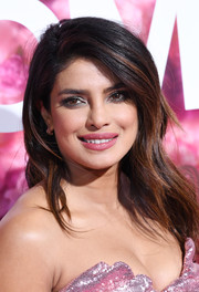 Priyanka Chopra looked beautiful with her gently wavy 'do at the premiere of 'Isn't It Romantic.'
