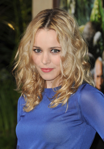 More Pics of Rachel McAdams Diamond Ring (2 of 27) - Rachel McAdams Lookbook - StyleBistro