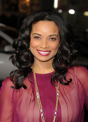 Rochelle Aytes wore a bold iridescent fuchsia lipstick at the premiere of 'Joyful Noise.'