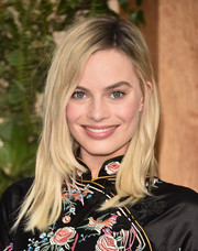 Margot Robbie was casually styled with this mildly messy side-parted 'do at the premiere of 'The Legend of Tarzan.'