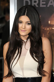 Kylie Jenner attended the premiere of 'Project X' wearing her hair long with soft waves.
