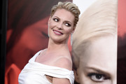 Katherine Heigl styled her hair into a pompadour for the premiere of 'Unforgettable.'